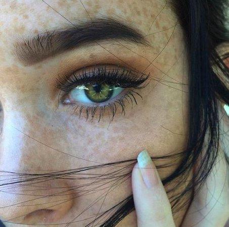green eyes aesthetic