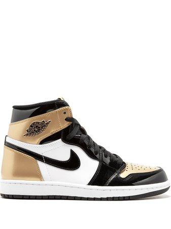 Air Jordan 1 Retro sneakers