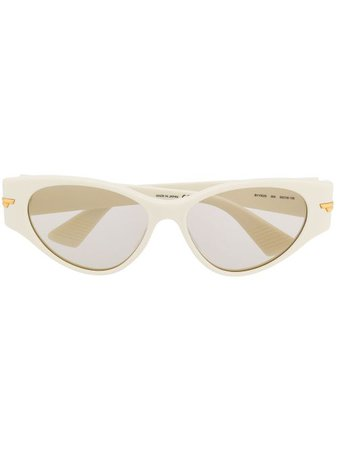 Shop Bottega Veneta Eyewear cat-eye shaped sunglasses with Express Delivery - FARFETCH