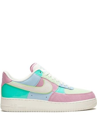 Shop blue & pink Nike Air Force 1 07 QS sneakers with Express Delivery - Farfetch