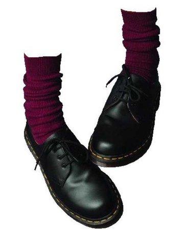 black shoes/maroon socks