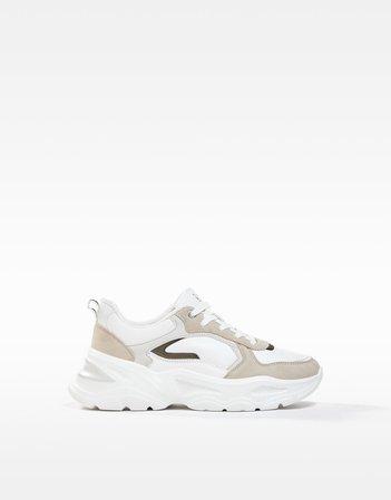 Contrasting chunky sole sneakers - SHOES - Woman | Bershka