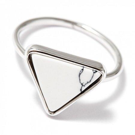 Кольцо с белым треугольником - купить за 1 900 руб. в Москве