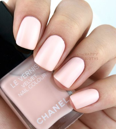 chanel-collection-libre-de-chanel-holiday-2016-review-swatches-le-vernis-velvet-512-pink-rubber.jpg (1441×1600)
