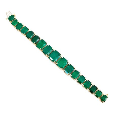 Natural Emerald Cut Bracelet in 18 Karat Yellow Gold For Sale at 1stDibs