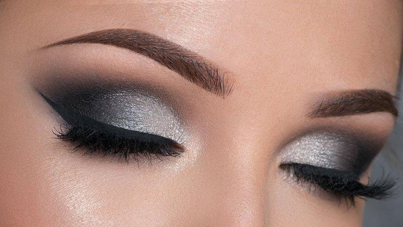 Black & Silver Smokey Eye Makeup