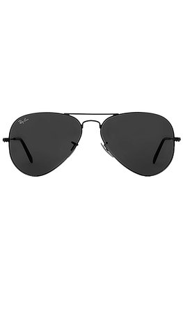 Ray-Ban Aviator Classic in Black | REVOLVE