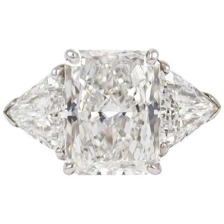 Cartier GIA Certified 5.27 Carat Radiant Cut Diamond Ring | $275,000