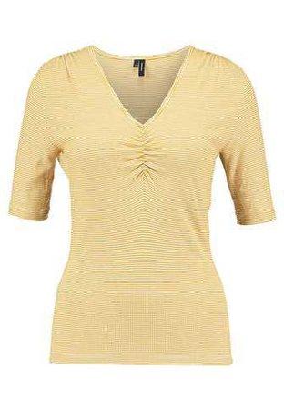 Vero Moda VMSTRILLY - Print T-shirt - harvest gold/snow white - Zalando.co.uk