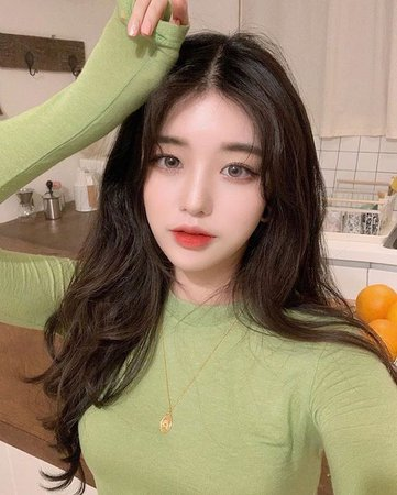 Young Face Claim: Kim Nahee - Instagram: @knhs2