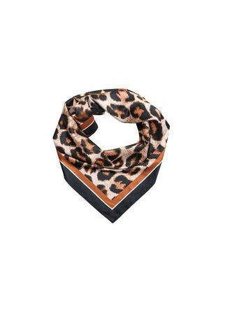 Violeta BY MANGO Leopard printed scarf