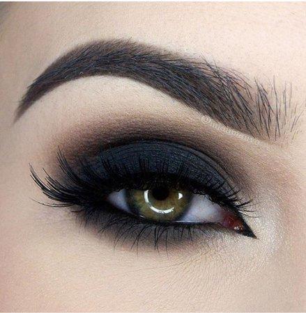 Dark Dramatic Eye makeup