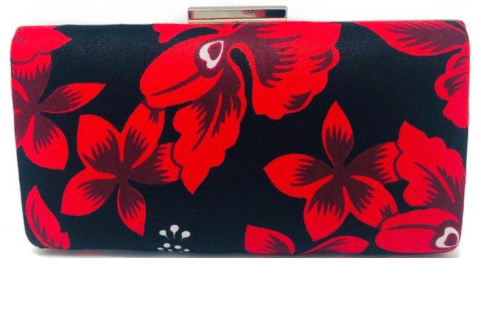 red flower clutch