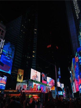 VSCO - briannaedmonds #newyork #nightlife #timessquare | Night life, Times square, Instagram