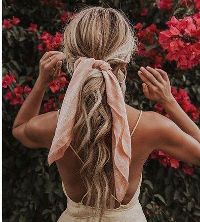 hair w/:ribbon