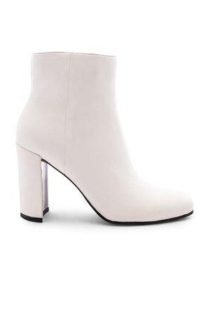 Nilani Boot