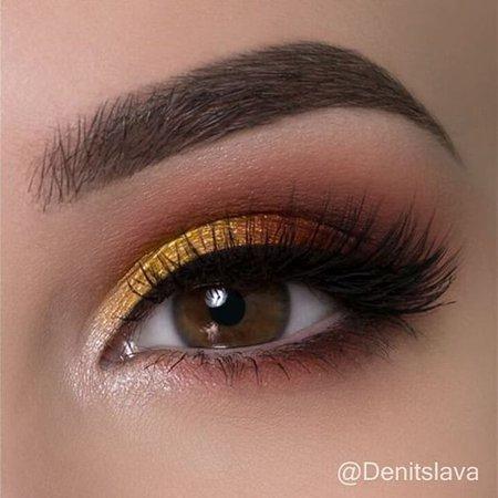 Yellow Eyeshadow Makeup