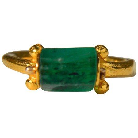 Egyptian Emerald 14 Karat Gold Metropolitan Museum of Art Hellentisic Ring For Sale at 1stdibs