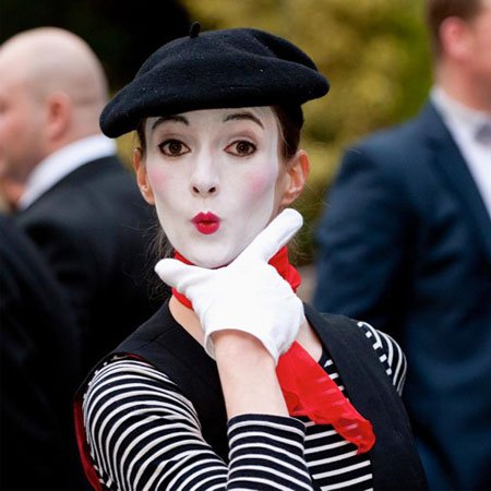 Walkabout Act Mime UK | Mime Artist UK | Female Mime Artist UK