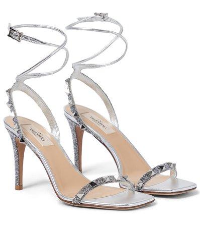 Valentino Garavani - Valentino Garavani Rockstud glitter leather sandals | Mytheresa