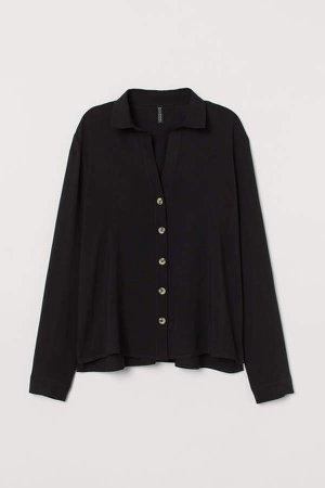 V-neck Shirt - Black