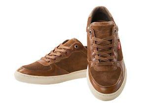 men sneaker brown