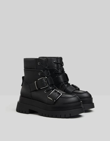 Platform ankle boots with buckles - Woman | Bershka