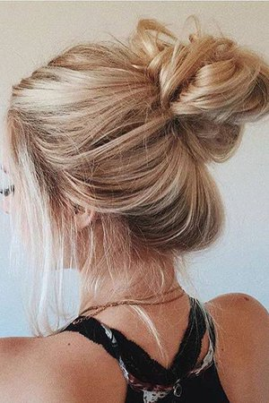 Instagram Post by ASPYN OVARD (@aspynovard) | Locks We Love ... Cute Messy Buns, Messy Hair Buns, Quick Messy Bun, Messy Bun Hairstyles,