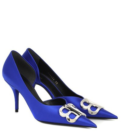 BB satin pumps