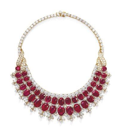 2019_GNV_17430_0201_000(ruby_and_diamond_bib_necklace_van_cleef_arpels).jpg (3200×3518)