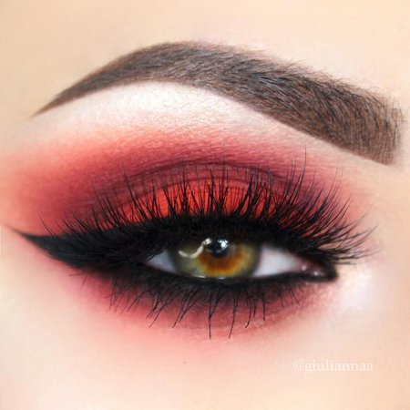 red eye make up