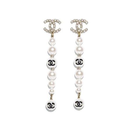 https://www.chanel.com/images//t_fashion//q_auto,f_jpg,fl_lossy,dpr_2/w_620/earrings-gold-pearly-white-black-crystal-metal-glass-pearls-imitation-pearls-strass-metal-glass-pearls-imitation-pearls-strass-packshot-default-ab3484b02610n6420-8823046766622.jpg