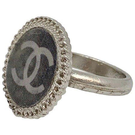 CHANEL Gray CC Logo Hologram Ring size 51 For Sale at 1stdibs