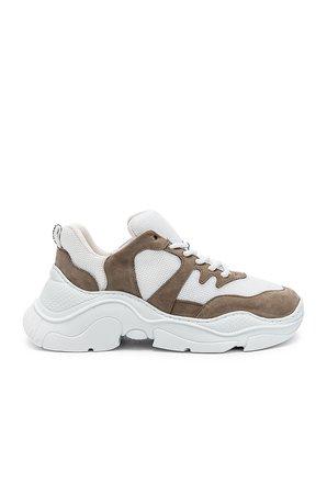 Jackye Sneaker