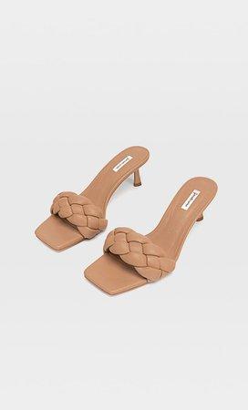 Sandalias tacón acolchadas trenzadas - Nuevo de mujer | Stradivarius España