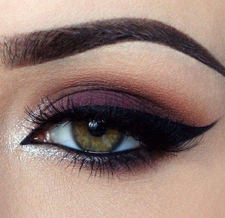 Dark Purple Eye Makeup