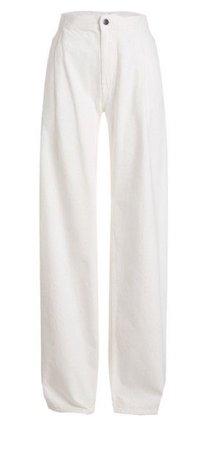 white pant jeans