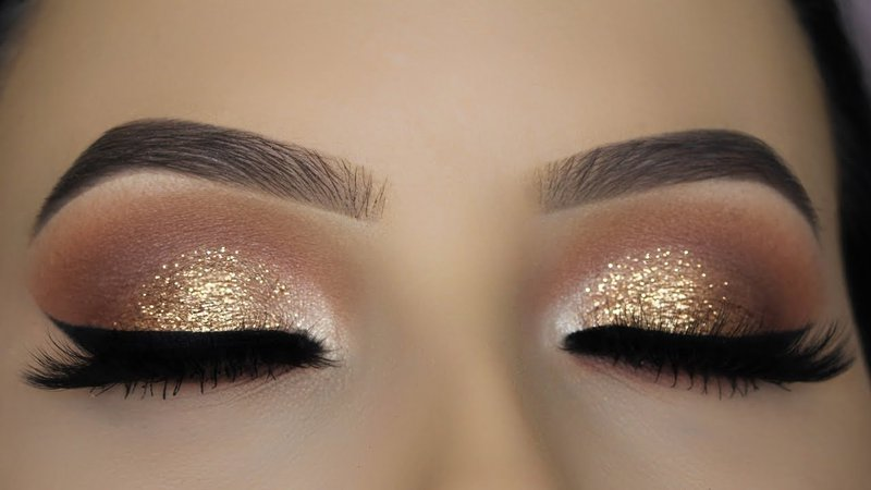 gold eyeshadow look
