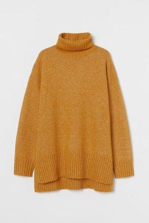 Oversized Turtleneck Sweater - Yellow