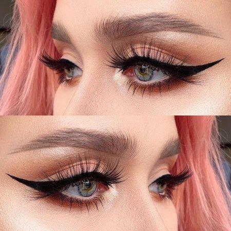 helenesjostedt sur Instagram: Liners 💋 . . . Products used: @benefitsweden @benefitcosmetics roller lash mascara, roller liner black eyeliner, roller eye bright pencil…
