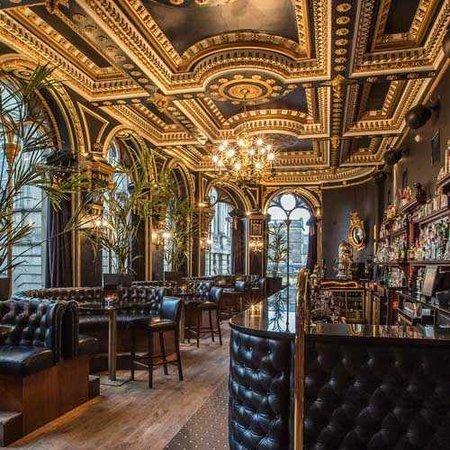 The Best Edinburgh Cocktail