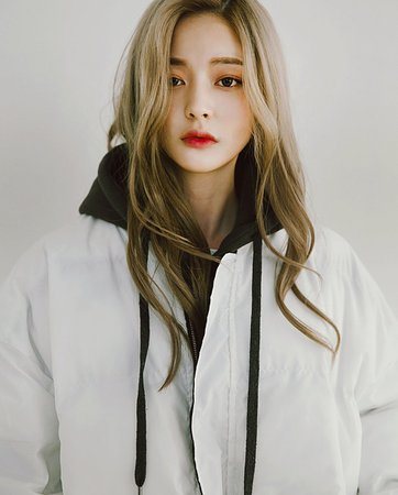 korean girls blonde hair