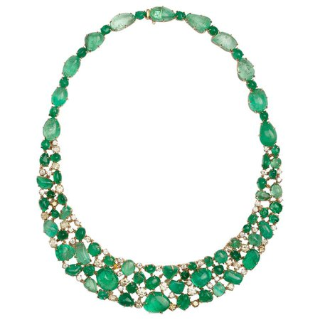 Muzo Emerald Colombia Emerald Yellow Diamonds 18K Yellow Gold Choker Necklace For Sale at 1stDibs