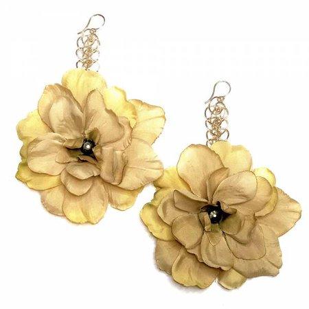 Elizabeth Sand Floral Drop Earring – Cassandra Collections
