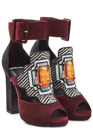 Suede Sandals with Printed Applique Gr. FR 38.5
