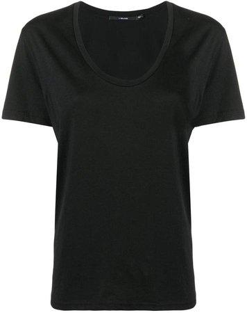 scoop neck short sleeved T-shirt