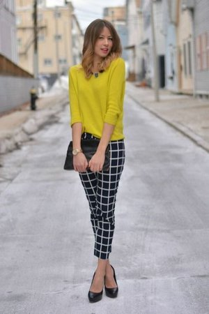 https://thefinestfeed.com/wp-content/uploads/2020/02/Amazing-Business-Casual-Women-Outfits-Ideas-For-This-Season-12-2.jpeg