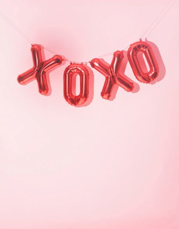pink and red xoxo balloon banner