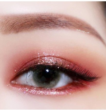 red sparkle Korean eye makeup