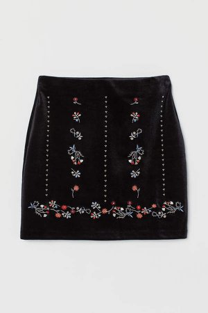 Skirt with Embroidery - Black
